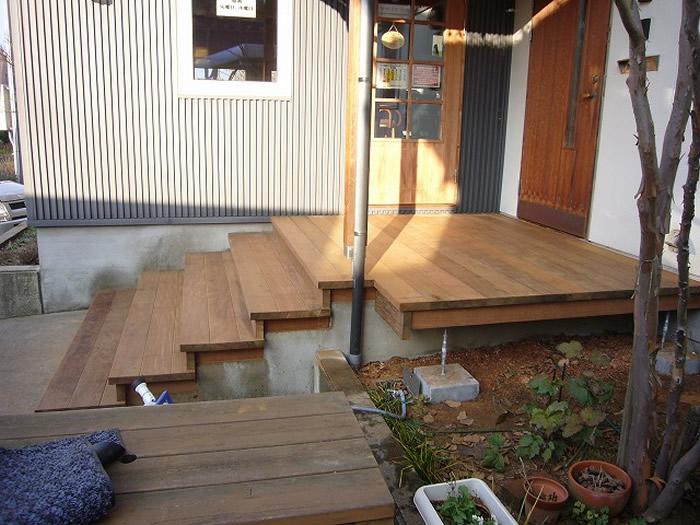 石川県能美市アグリス珈琲ビーンズショップ様、エントランス階段